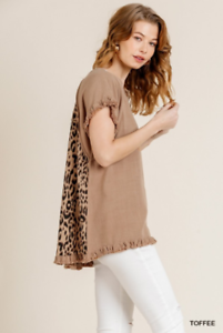 UMGEE-Short-Ruffle-Sleeve-Round-Neck-Top-With-Animal-Print-Scoop-Back-Sz-Small