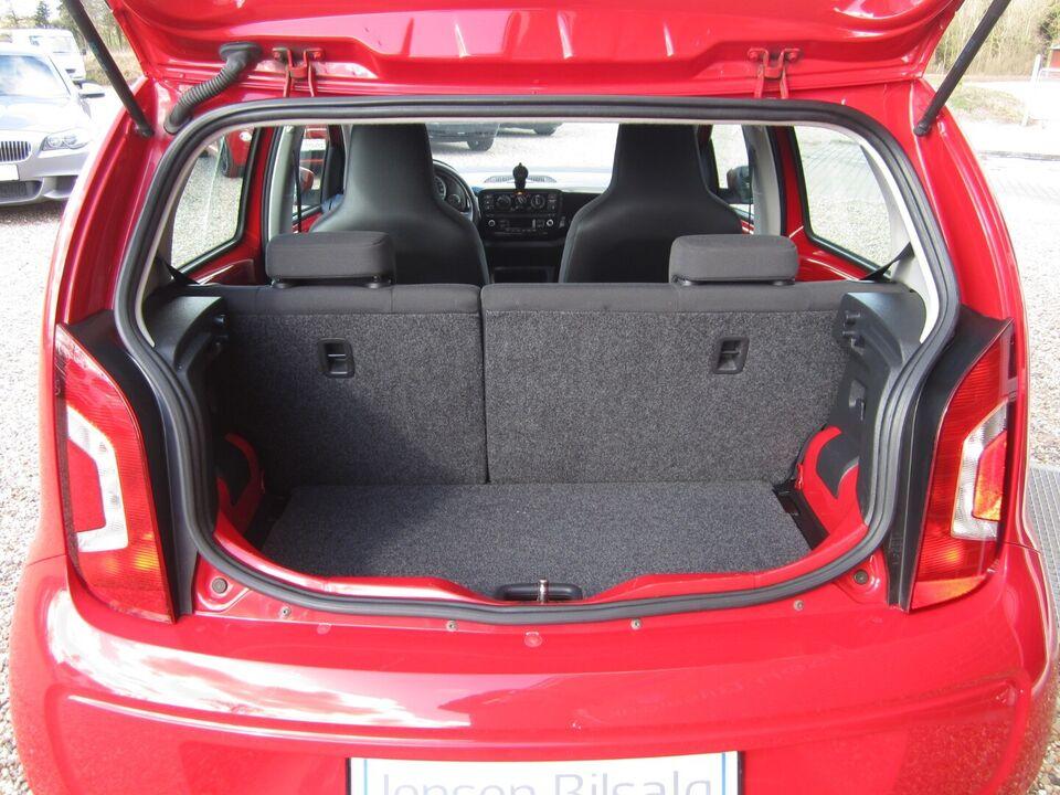VW Up! 1,0 60 Move Up! BMT Benzin modelår 2014 km 106000 Rød