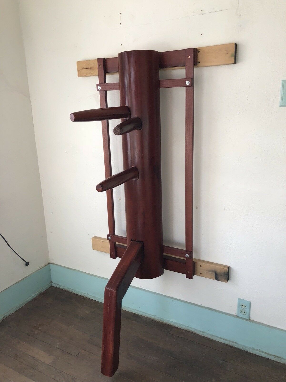 ShaolinHouse Wing Chun Half Wooden Dummy