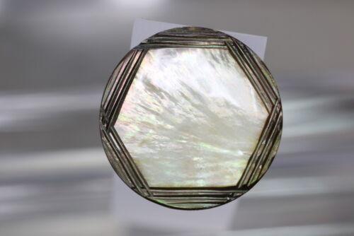 wohl um 1970//80 °° Wunderschön gravierter grüner Perlmuttknopf