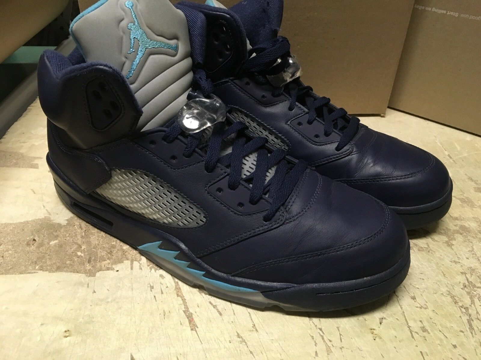 USED MENS NIKE AIR JORDAN V 5 HORNETS MID NAVY 136027 405 Sz 13 NOBOX PRE GRAPE