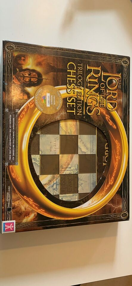 Lord Of The Rings - Trilogy Edition Chess Set,