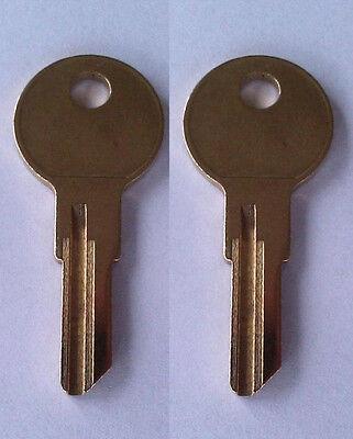 2 Home Depot Tool Box Keys  A01-A20 R601-R620 B01-B05 0001-0010 Home Depot