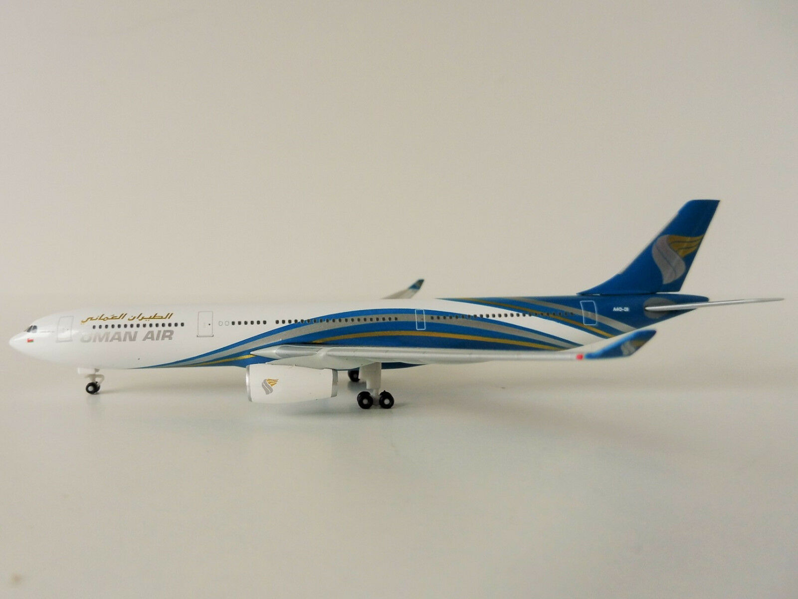 Oman Air Airbus A330-300 1 500 Herpa 530484 A330 a 330 Muscat