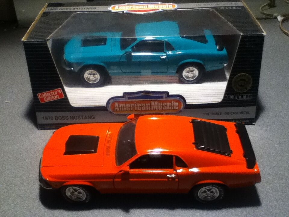 2 ERTL= 1 18 1970 BOSS 429 FORD MUSTANGS, GRABBER GREEN,CALYPSOCORAL Excellent
