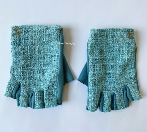 CHANEL BLUE GREEN TEAL LEATHER TWEED FINGERLESS G
