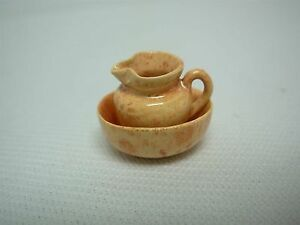 ARTISAN-SIGNED-DEBORAH-McKNIGHT-DOLLHOUSE-MINIATURE-2-PC-SPONGEWARE-BOWL-PITCHER
