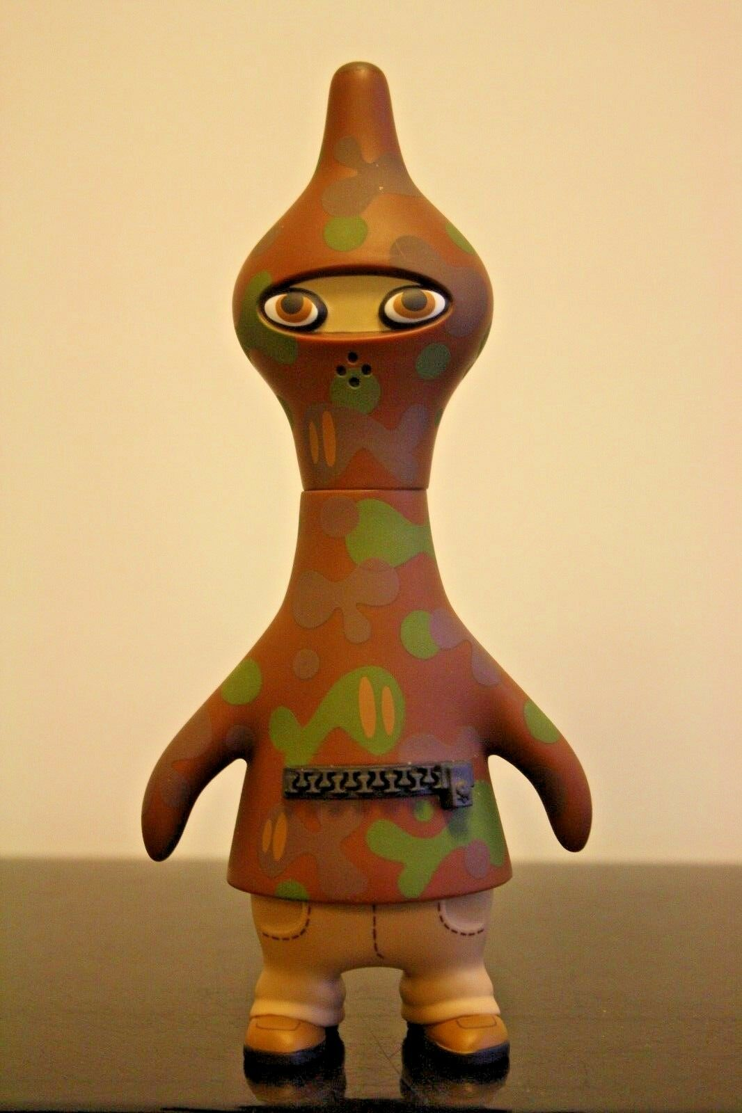PETE FOWLER Playbeast Designer Toy CAMGUIN 7  Vinyl BROWN year 2003