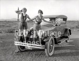 Vintage-Flappers-Swimsuits-Photo-1923-Peerless-Auto-Car-Jazz-Prohibition-era
