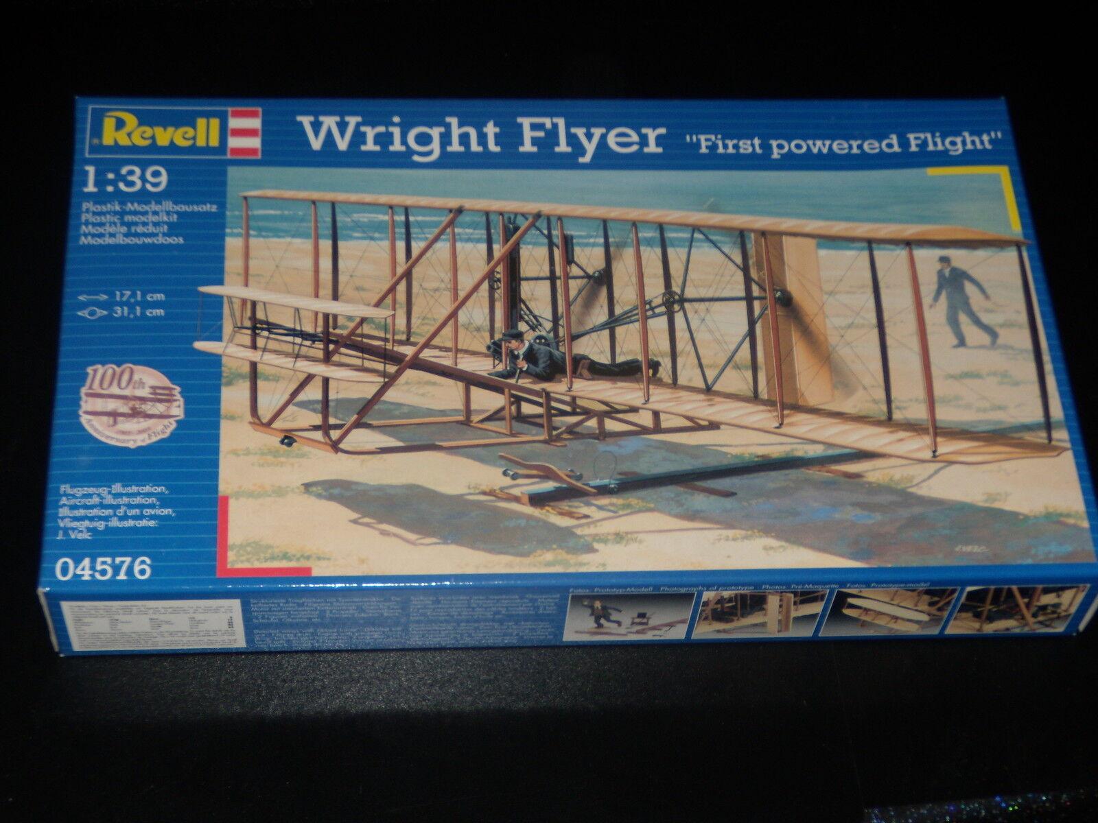 MODEL - WRIGHT FLYER - FIRST OWERED FLIGHT - REVELL - 1 39 - FULLY