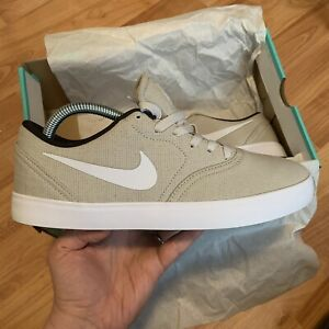 Nike-SB-Carreaux-CNV-Taille-UK-8-EUR-42-5-Light-Bone-705268-012-nouveau
