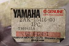 1986-1987 FAZER FzX700 fz600 YAMAHA (YB30) NOS 2AK-15416-00-00 OIL PUMP COVER
