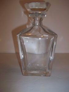 Elegant Vintage Cut Crystal Glass Decanter Liquor Whiskey Bottle Octagon Stopper