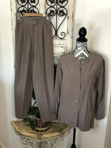 H Look tan silk pant suit Size Small