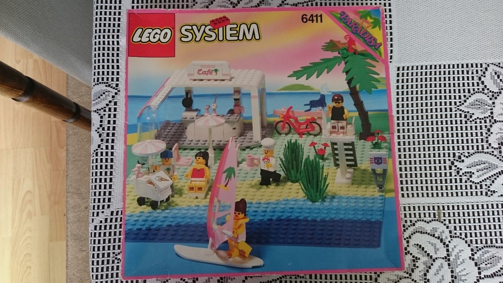 Paradisa Lego 6411 Sand Dollar Cafe Set with Minifigures 100% complete