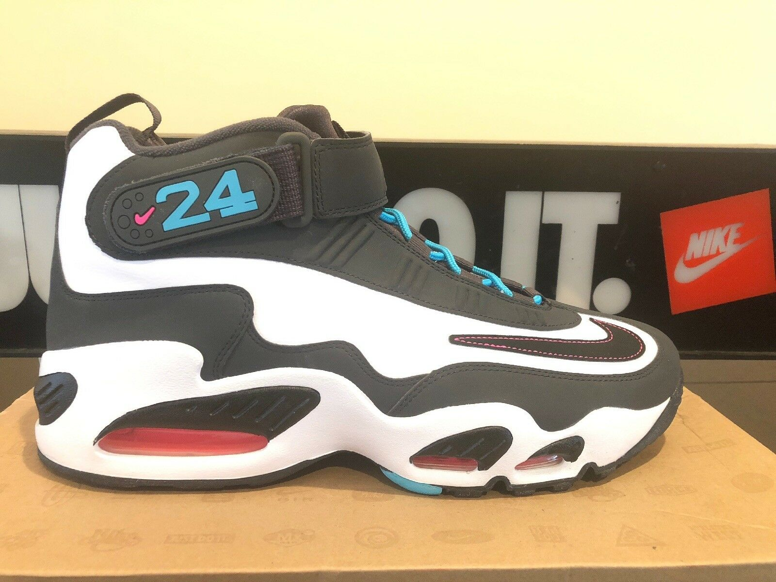 NIKE AIR GRIFFEY MAX 1 SIZE 11 DS 354912 100 COLONSKICKS OPENS THE VAULT KEN