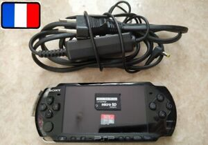 Console Sony PSP Noir 3004 + 16 Go + chargeur INFINITY 2.0 Permanent