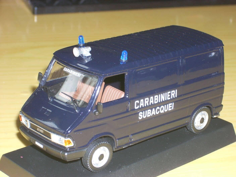 CARABINIERI POLICE Fiat 242 subacquei scala 1 43