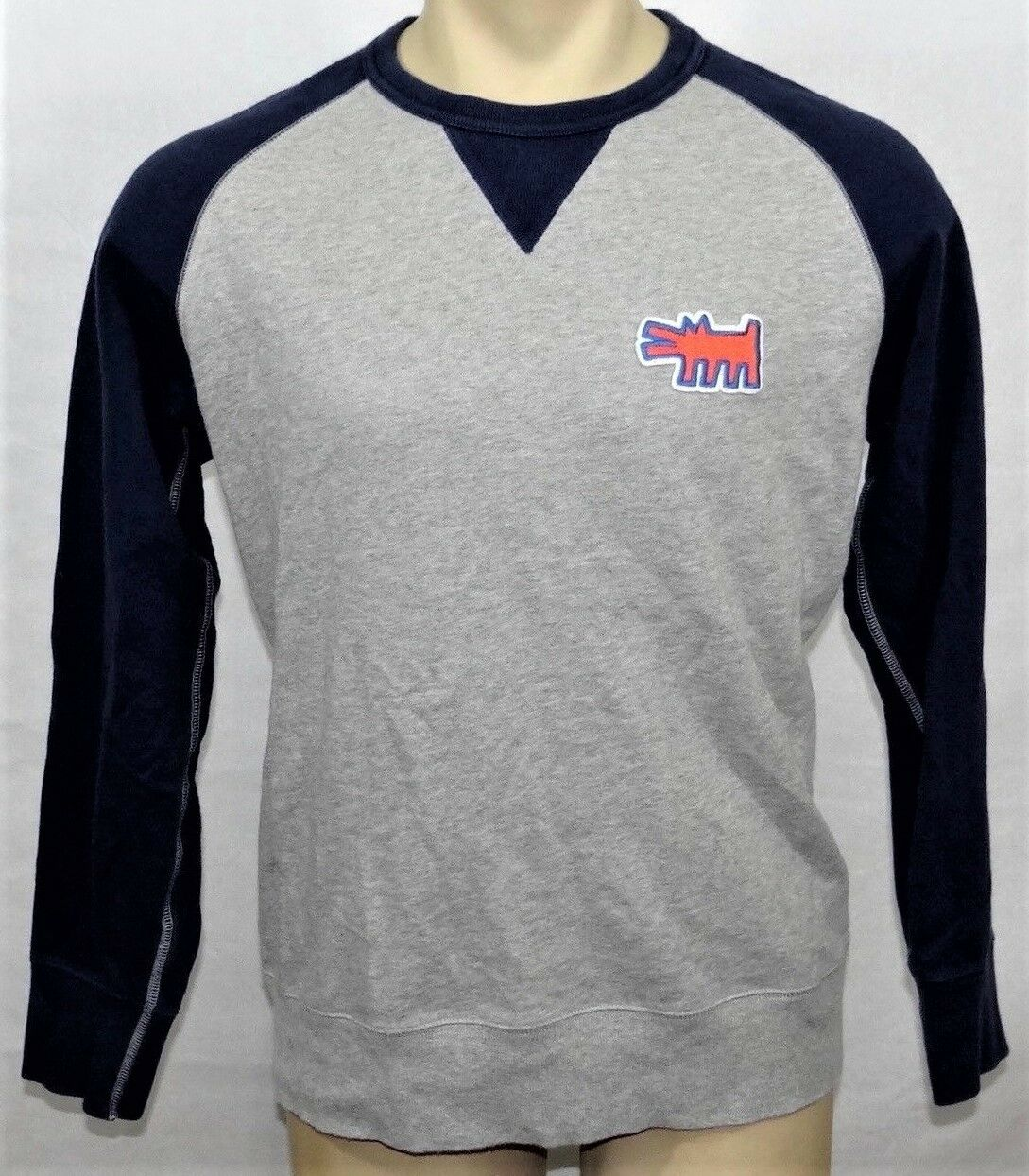 KEITH HARING x UNIQLO 'Dog' Patch SPRZ NY Art Sweatshirt M grau / Navy NWT