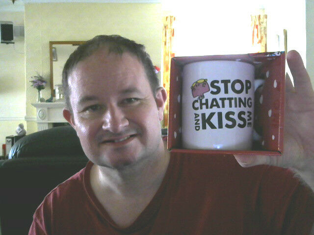 STOP CHATTING & KISS ME MISS CHATTERBOX MUG & BOX LAST CHANCE SALOON