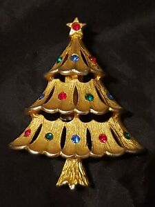 Vintage JJ Jonette Jewelry Co rhinestone Christmas tree brooch pin gold tone with red and green stones