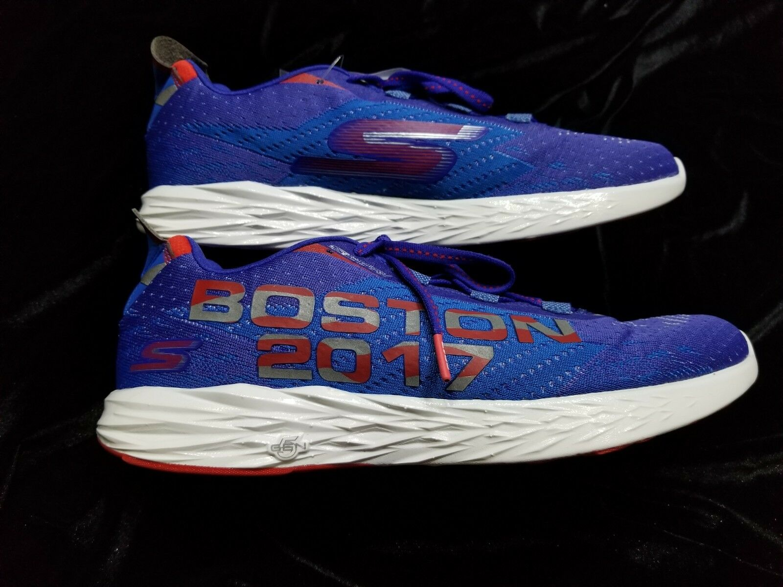 Brand New Skechers Go Run 5 Boston 2018 Blue Running Shoes - Mens Size 10