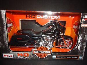 Maisto Harley Davidson Street Glide Special 2015 Black 32328 1/12 |