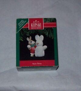 HALLMARK-KEEPSAKE-CHRISTMAS-TREE-ORNAMENT-SNOW-TWINS-USED-IN-BOX