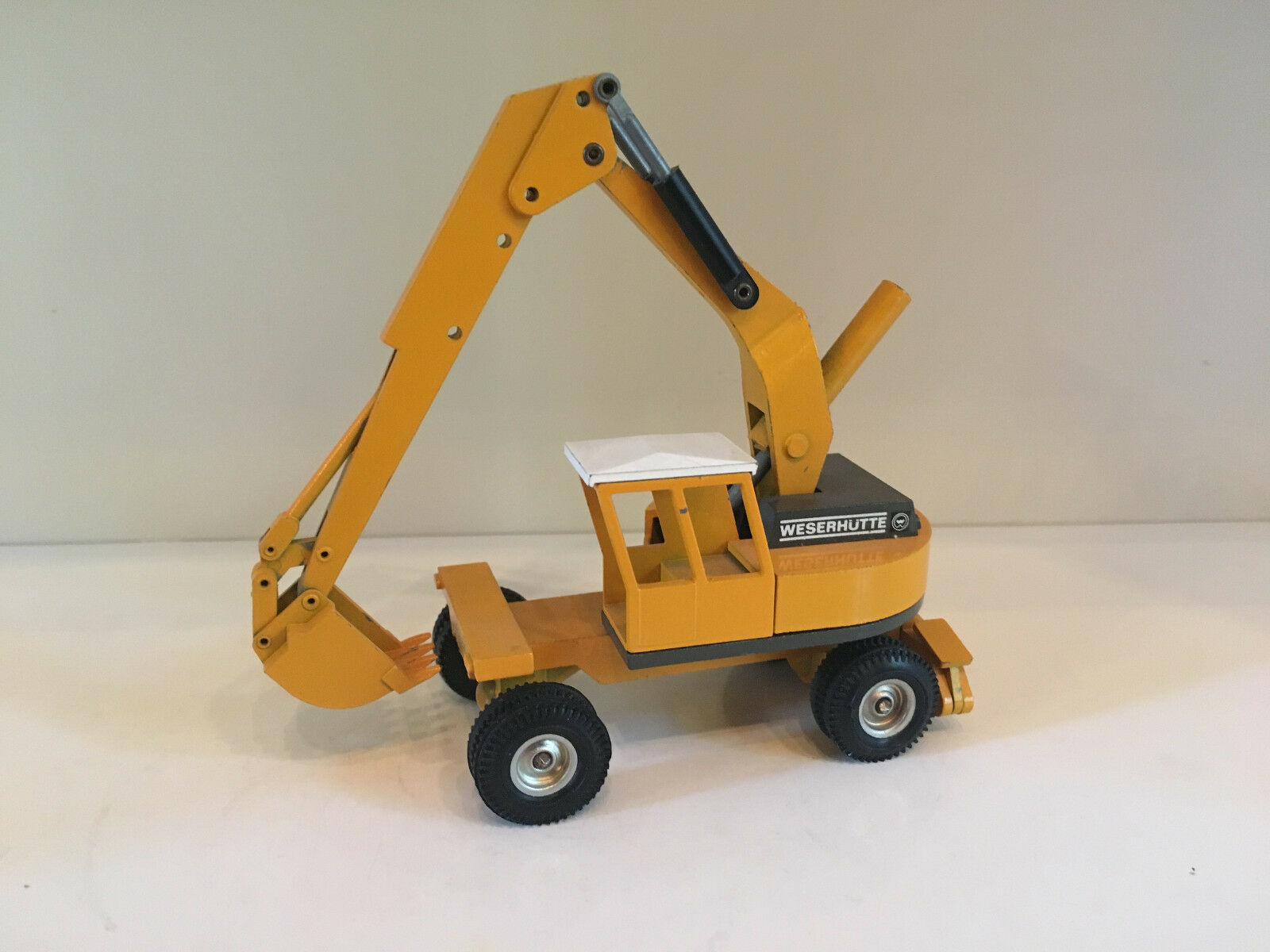 Weser Hut HW 70 Mobile Excavator by NZG 101 1 50