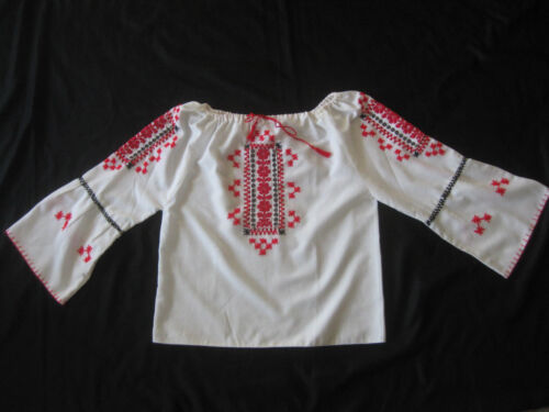 HUNGARIAN HAND Embroidered BLOUSE vintage - image 1