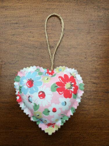 Cath Kidston Bright Pop Fabriquée à la Main Shabby Chic Tissu Coeur Porte Cintre