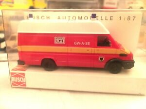 BUSCH-47905-IVECO-Daily-furgone-112-tedesco-in-1-87