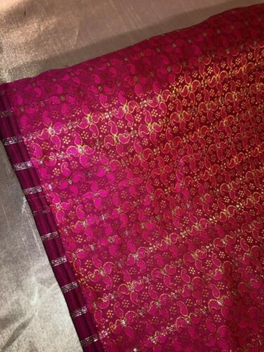 Vestido Chaleco Paisley Metálico Brocade Fabric de 114cm de ancho. artesanías Chaquetas etc