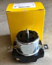 W7 CS8469 Hubbell  Locking Recept 2P-3W 480V AC 50A  NSFP