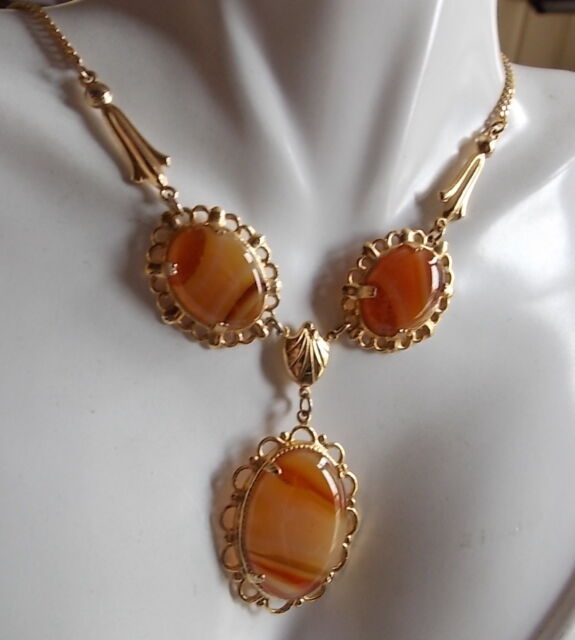 Vintage Christmas Red Carnelian Stone Cabochons Gold Tone Choker Necklace