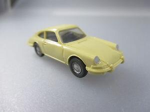 hellbeige Lenkrad bemalte Scheinwerfer Wiking:Porsche 911 PKW22 integr