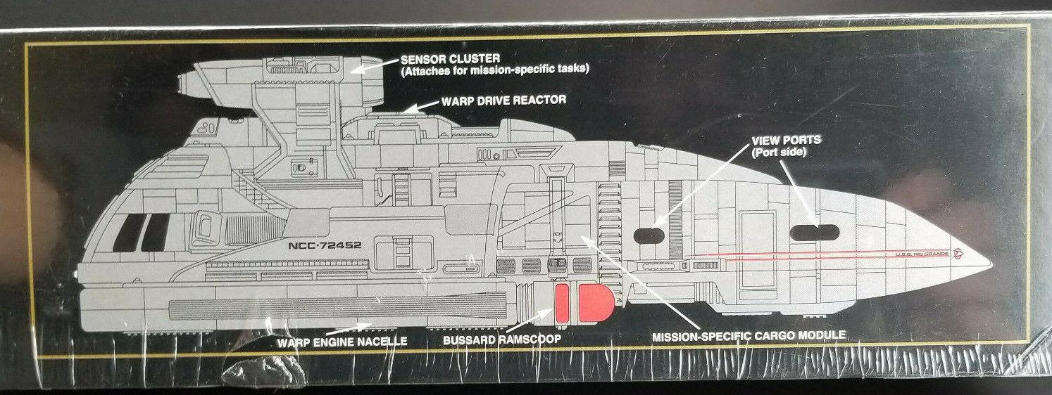 Runabout Rio Grande Star Trek Deep Space Nine AMT AMT AMT Model Kit 1993 Mint in Sealed 694797