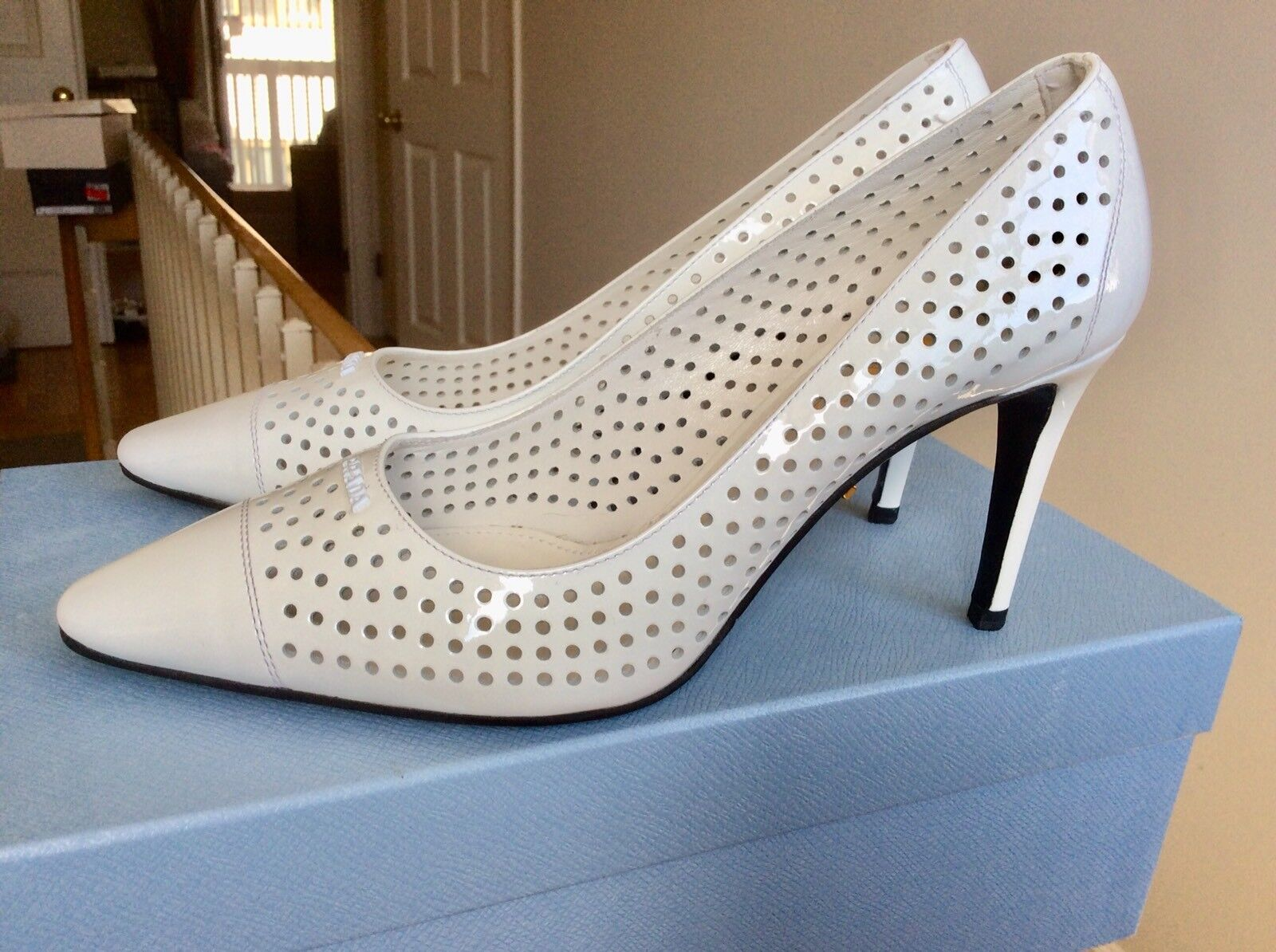 Womens Prada shoes shoes shoes Heels Pumps White Perforated Vernice Patent Leather Sz 36 NIB 80242a