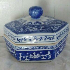 Chinese Blue & White Porcelain Hexagon Jar with Lid Container Vintage