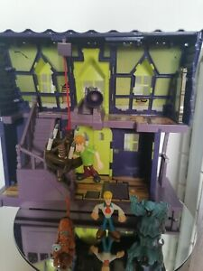 SCOOBY DOO HAUNTED MANSION/House Playset & 5 figures/Collection