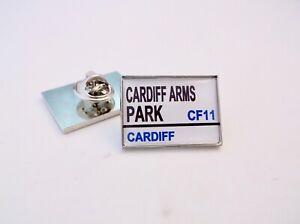Cardiff Blues Stadium 'road' Panneau De Signalisation Insigne Broche Badge Chaud Et Coupe-Vent
