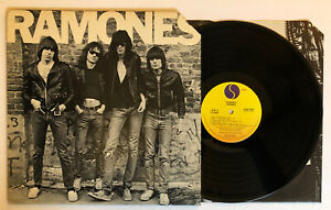 Ramones-Self-Titled-1976-US-1st-Press-SASD-7520-NM-Ultrasonic-Clean
