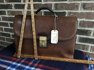 VINTAGE-1980-s-BROWN-COACH-BASEBALL-GLOVE-LEATHER-GLADSTONE-BRIEFCASE-BAG-R-1298