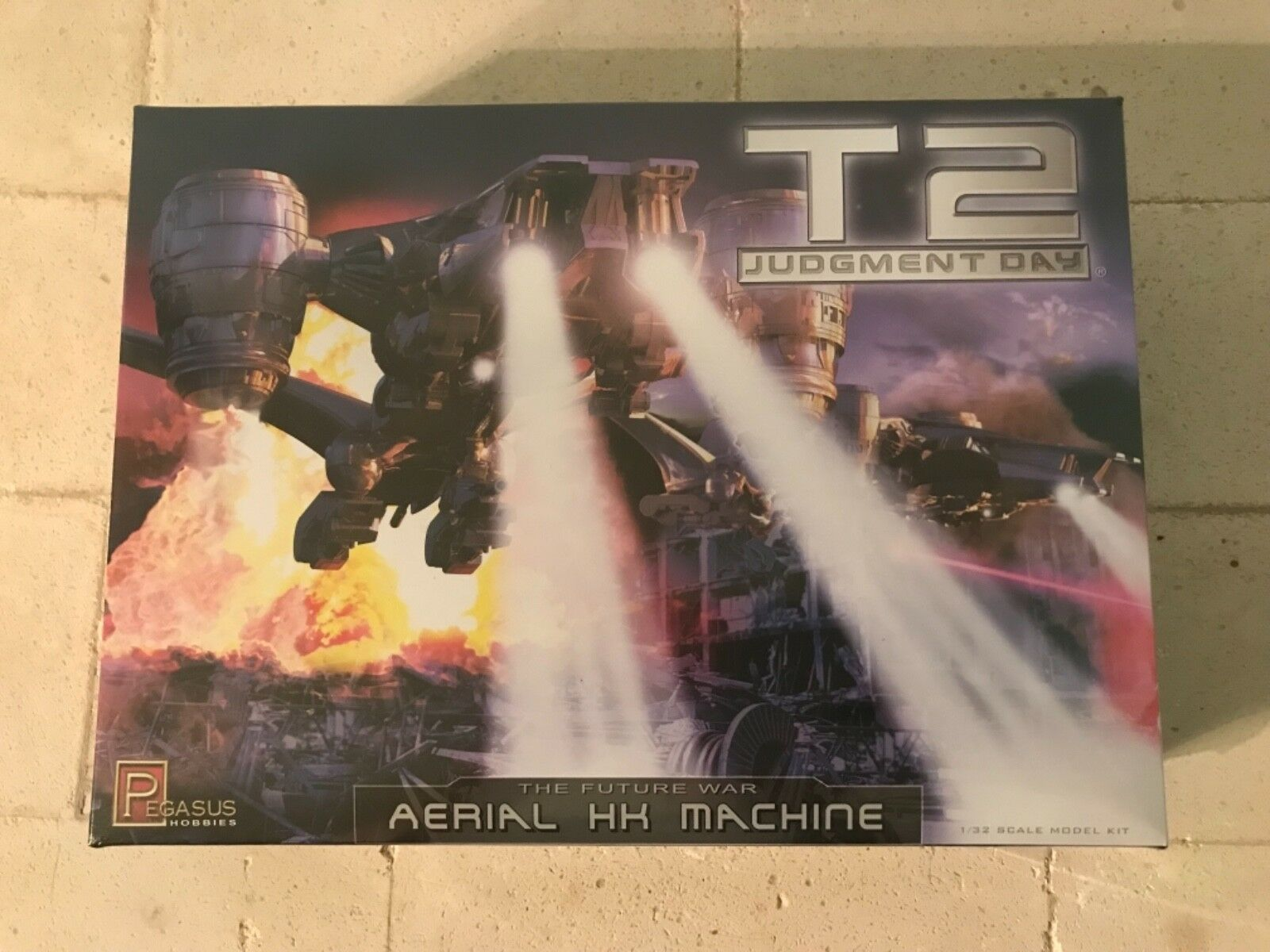 PEGASUS HOBBIES 1 32 SCALE TERMINATOR 2 AERIAL HUNTER PLASTIC KIT BNIB SEALED