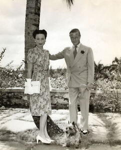 L4073 The Duke and Duchess of Windsor UNSIGNED photograph 1958 Palm Beach