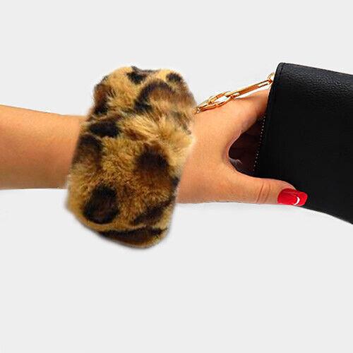 Wristlet Strap Details about  /Stylish Faux Fur Pom Pom Key Chain