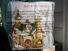 DEPT 56 NORTH POLE VILLAGE THE POLAR PLUNGE WARMING HOUSE NIB *Read*