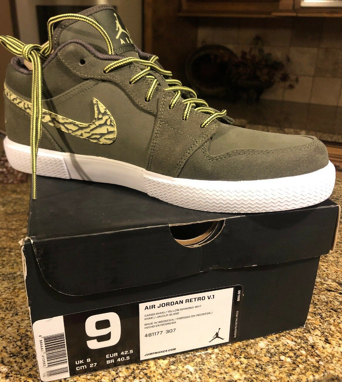 New Men's 9 Nike Air Jordan Retro V.1 Cargo Khaki Yellow Diamond Wht 481177 307