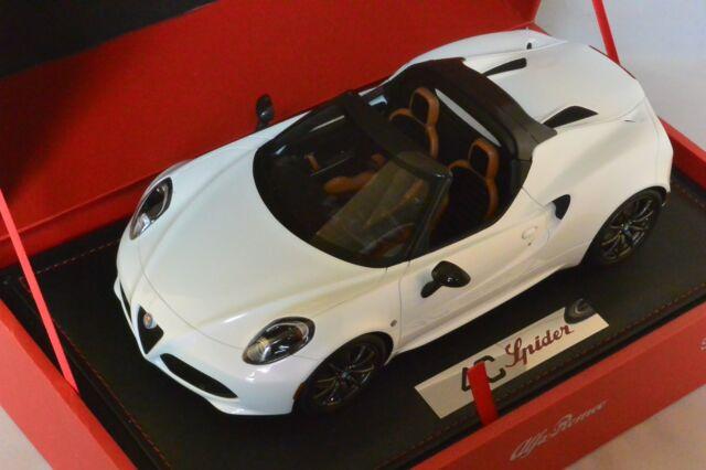 BBR P1881 - Alfa Romeo 4C Spider blanc 2014 Genève Auto show  299pcs1/18