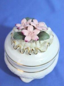 Vintage Nuova Capodimonte Trinket Box Fine Porcelain Gold Trim 3D Flowers & Lace